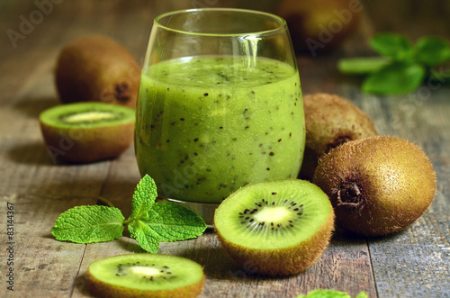 Fotografie, Tablou  Fresh homemade kiwi juice.