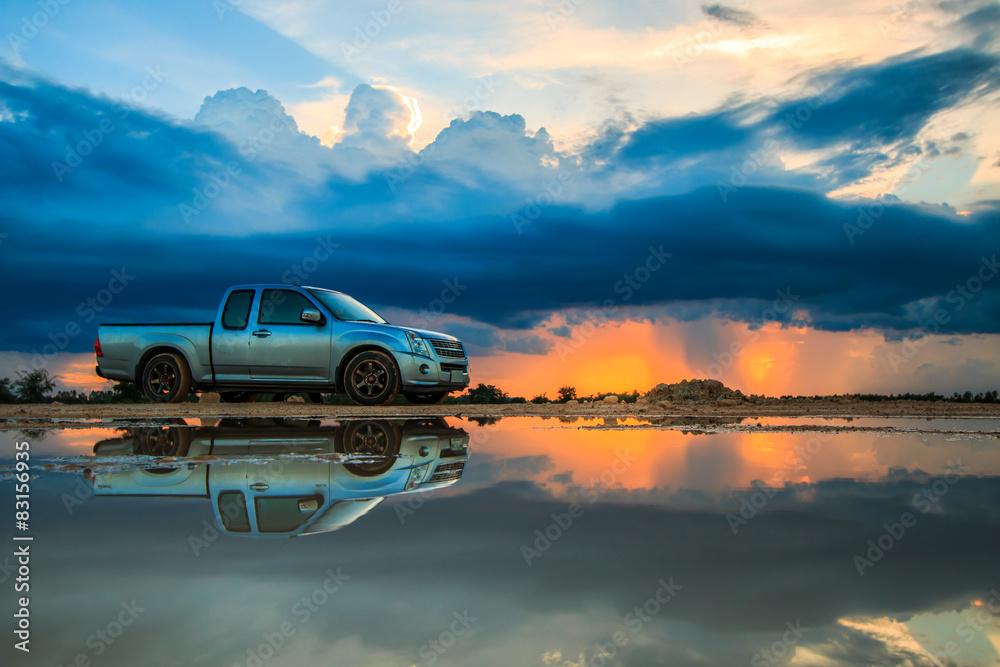 Fototapety, obrazy: Car and sunset sky