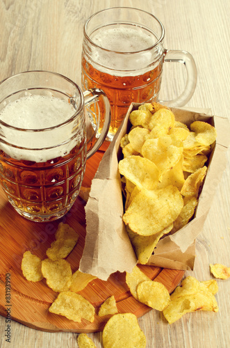 Tuinposter Bier / Cider Beer and chips