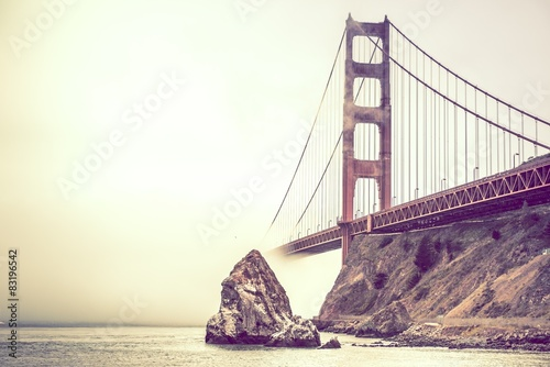Foto  Golden Gate in Fog