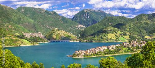 Poster Lac / Etang impressive views of Turano lake with village Colle di Tora,Italy