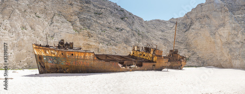 Photo sur Aluminium Naufrage The famous Navagio Shipwreck beach in Zakynthos island
