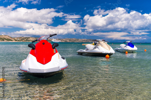 Spoed Foto op Canvas Water Motor sporten Jet skis anchored near the beach