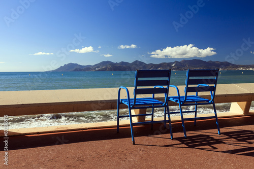 Fotografie, Obraz  Les célèbres chaises bleues du festival de Cannes