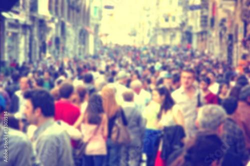 Zdjęcie XXL Tło z zamazanymi ludźmi chodzi na ulicie