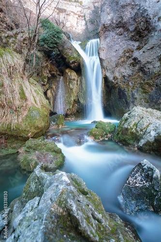 narodziny-rzeki-w-naturalnym-parku-ured