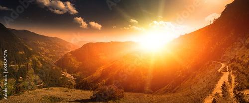Spoed Fotobehang Oranje eclat Beautiful mountain landscape