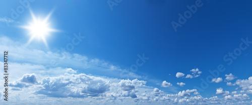 Fototapeta niebo niebo-ze-sloncem-miedzy-chmurami