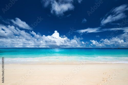 Photo  Beautiful Anse Intendance beach at Seychelles