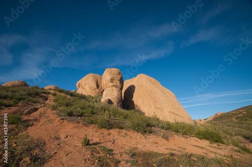 Staande foto Bleke violet Rock Boulders in Mojave