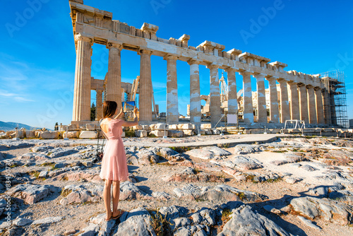 Printed kitchen splashbacks Athens Woman photographing Parthenon temple in Acropolis