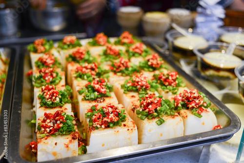 In de dag Bangkok Chinese tofu food with red pepper