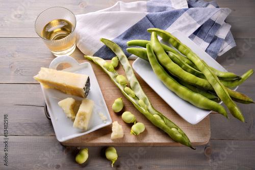 Fényképezés  Fave, vino bianco e pecorino