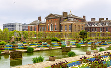 View Of Kensington Palace In L...