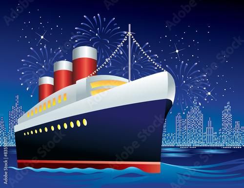 Canvas Print Ocean liner in harbor