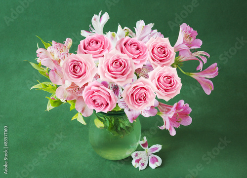 Bunch with roses in vase - 83571160