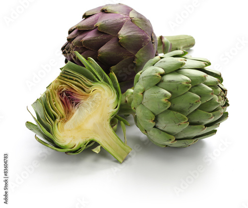 whole and half cut artichoke isolated on white background Canvas Print