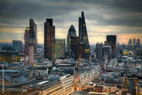 Poster Londres LONDON, UK - JANUARY 27, 2015: London's panorama in sun set.
