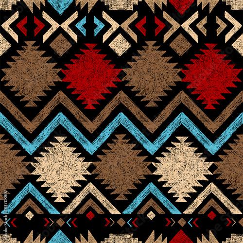 recznie-rysowane-tribal-wzor
