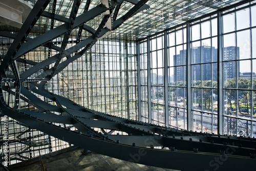 Montage in der Fensternische Oper / Theater Nuvola