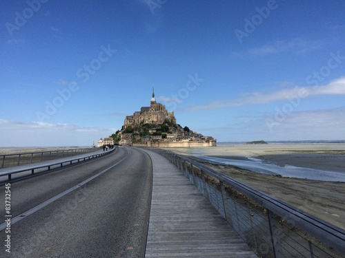 Photo  the road to Mont St Michel