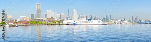 Foto auf Gartenposter Stadt am Wasser Panoramic view of Minato Mirai 21 in Yokohama, Japan
