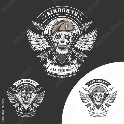 Photo  Airborne vector emblem