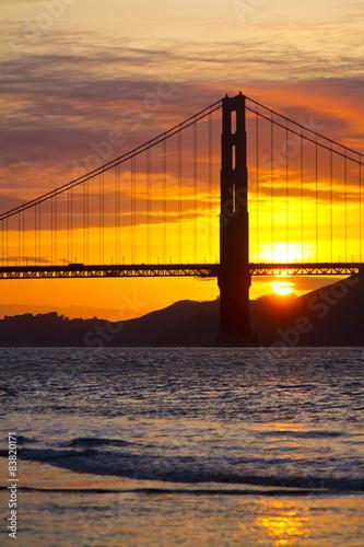 golden-gate-bridge-w-san-fransisco-o-zachodzie-slonca