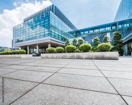 Fototapety, obrazy: Empty floor near modern building