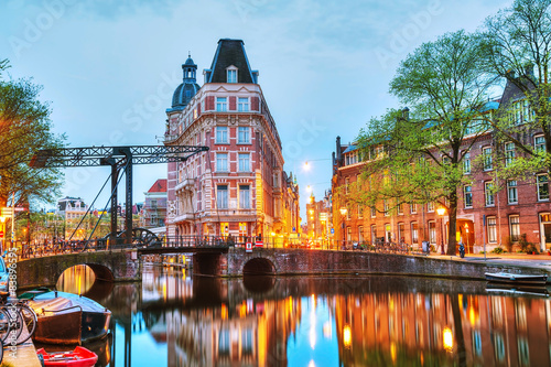 Overview of Amsterdam Canvas-taulu