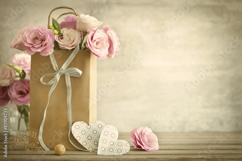 Fotografija  Wedding  background with roses flowers and Hearts - vintage styl