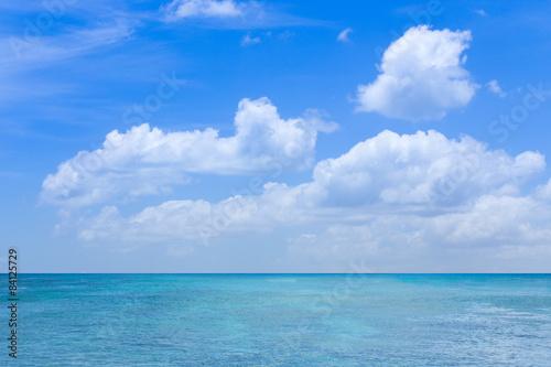krajobraz-na-morze-z-chmurami