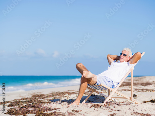Tuinposter Ontspanning Relaxing at sea