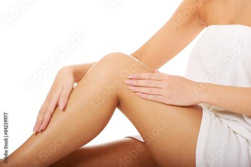 Fototapety, obrazy: Well groomed female legs.