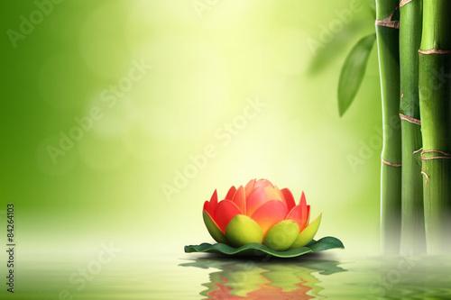 pomaranczowy-lotos-w-bambusowym-lesie