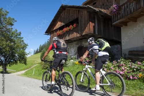 Obraz na plátně mountainbike sightseeing tour