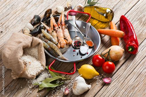 Fotografie, Obraz Surové produkty mořské plody paella