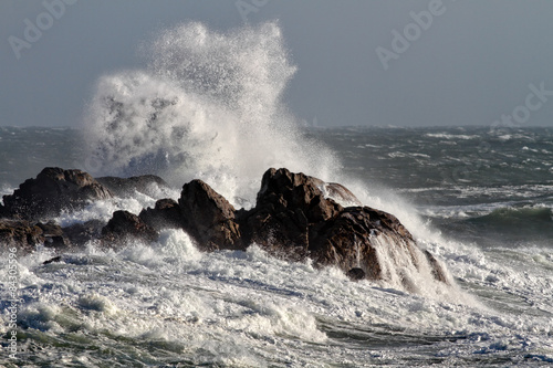 Deurstickers Water Crashing waves