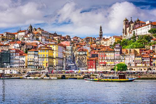 Spoed Foto op Canvas Mediterraans Europa Porto, Portugal old town skyline from across the Douro River.