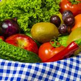 Kompozycja świeżych ważyw i owoców