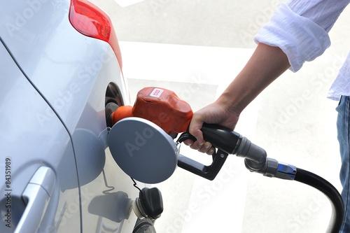 Fotografie, Obraz  ガ ソ リ ン ス タ ン ド で の セ ル フ の 給 油