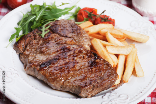 Papiers peints Steakhouse Beef steak with french fries