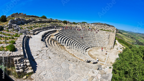 Obraz na plátne Landscape of Sicily with ancient greek theater at Segesta