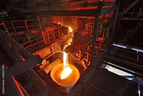 Liquid iron from the ladle Canvas-taulu