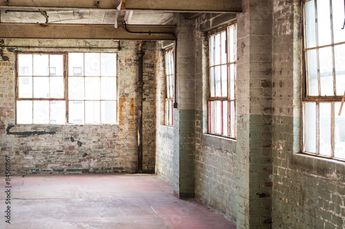 Staande foto Industrial geb. Empty warehouse office or commercial area, industrial background
