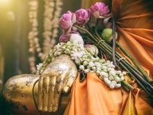 Meditation Gold Buddha Statue