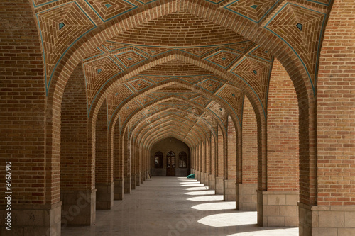 Photo  arched corridor in the Kabud mosque in Tabriz, Iran