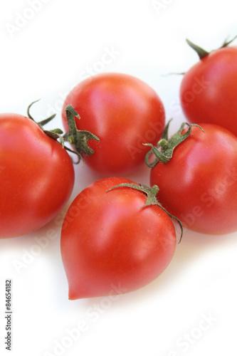 Photo  pomodori Piccadilly su sfondo bianco