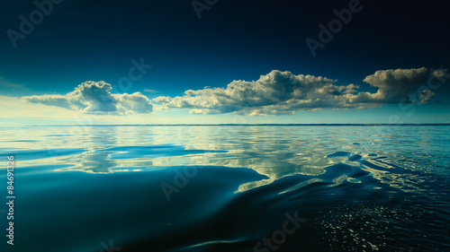 Poster Ocean Beautiful seascape evening sea horizon and sky.