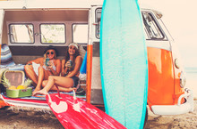 Beach Lifestyle Surfer Girls I...